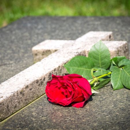 https://wgel.com/news/2017/06/cemetery-flower-removal/